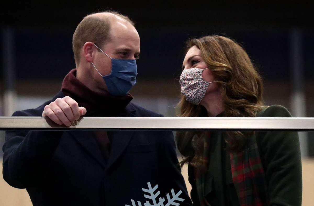 Prinz William und Herzogin Kate sind am Sonntag zu einer mehrtägigen Zugreise durch Großbritannien aufgebrochen. Foto: dpa/Chris Jackson