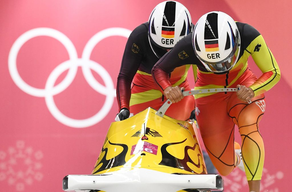 Bei Olympia 2018 können Mariama Jamanka und Lisa-Marie Buckwitz im Bob von Gold träumen. Foto: dpa