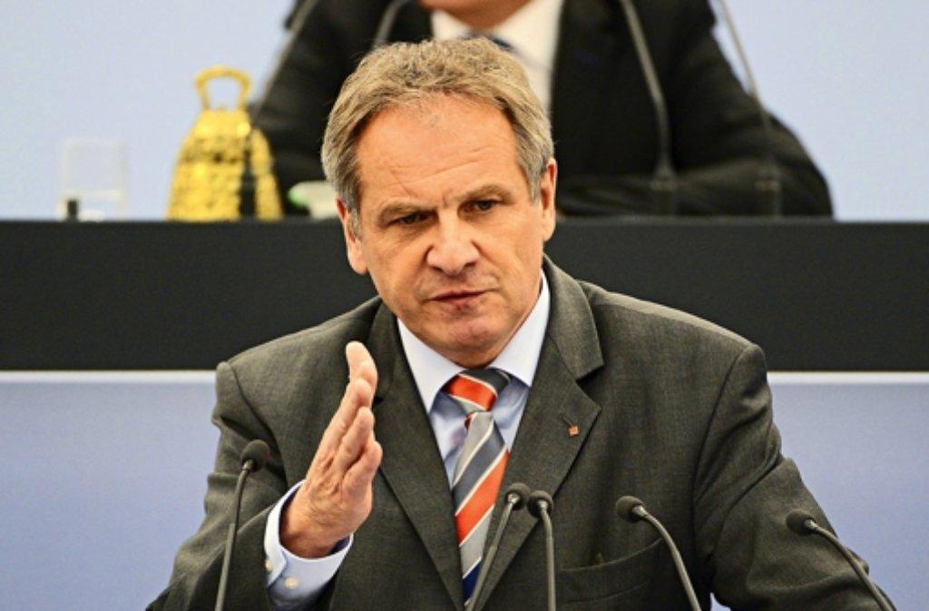 Bei der Polizeireform hatte Innenminister Reinhold Gall (SPD) kein glückliches Händchen. Foto: dpa