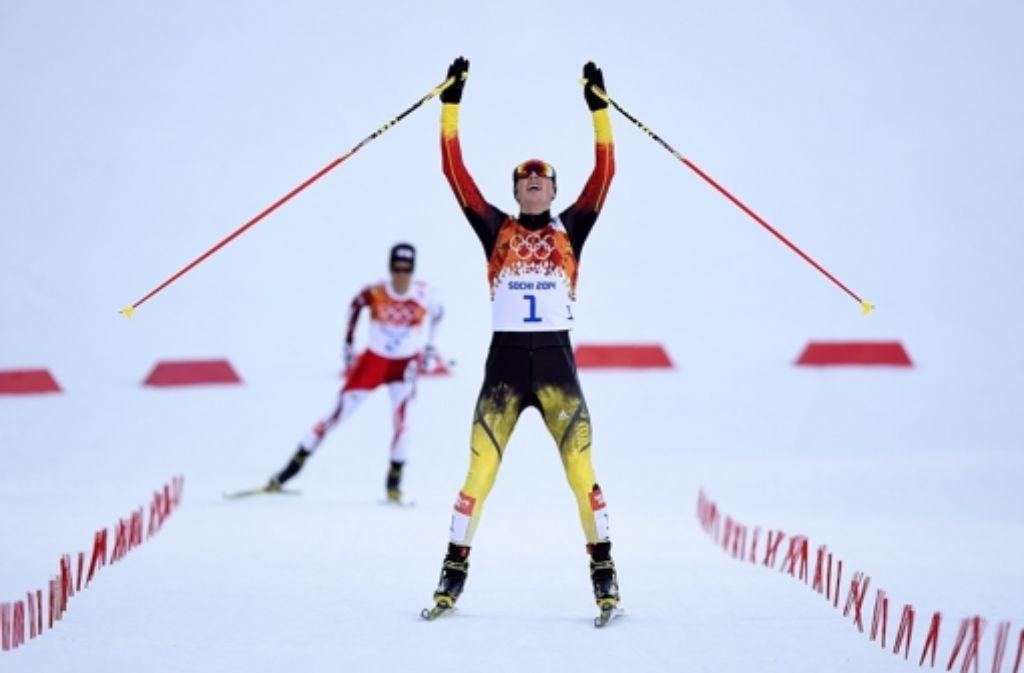 Mit einem Vorsprung von über einer Minute kommt Eric Frenzel in Sotschi ins Ziel. Foto: Getty Images Europe