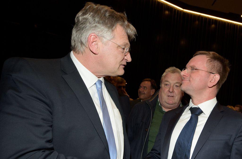 Vorsitzende unter sich: Jörg Meuthen (l.) führt die Bundespartei, Dirk Spaniel die Landes-AfD Foto: dpa