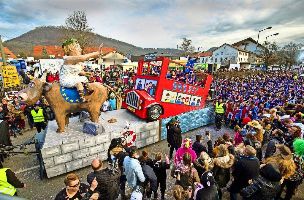 19 aufwendig gestaltete Motivwagen sind in Donzdorf zu sehen gewesen. Foto: Michael Steinert