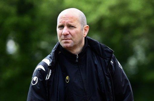 Der Trainer Niko Koutroubis will die Frauen des VfL Sindelfingen fördern. Foto: Baumann