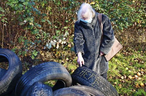 Unbekannte entsorgen Reifen auf Grundstück – 100.000 Euro Bußgeld angedroht
