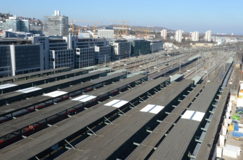 Stuttgart 21 wird gebaut. Darauf stellen sich mittlerweile auch die Grünen ein. Wir dokumentieren den Widerstand gegen das Projekt in einer Bilderstrecke. Foto: dpa