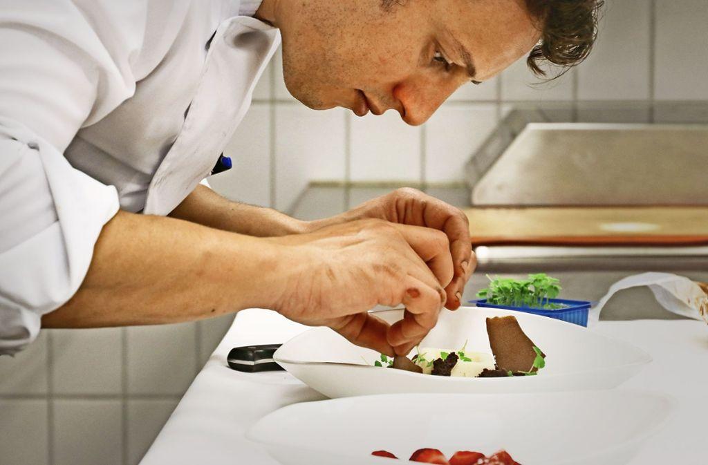 Der Küchenchef Ben Benasr versteht es, in seinen Gerichten traditionelle und weltoffene Einflüsse zu mixen. Foto: factum/Granville