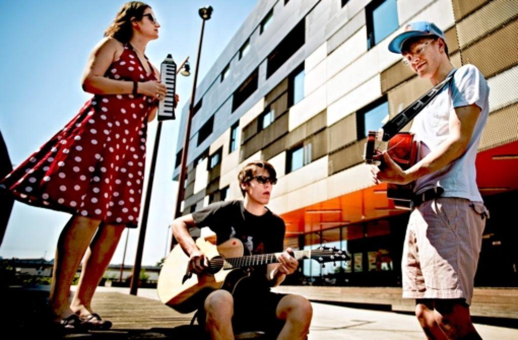 Das Rüstzeug für die Karriere holen sich die Musikstudenten Julia Buch, Jens Schneider und Alex Knolle (von links) in Mannheim. Foto: Heinz Heiss