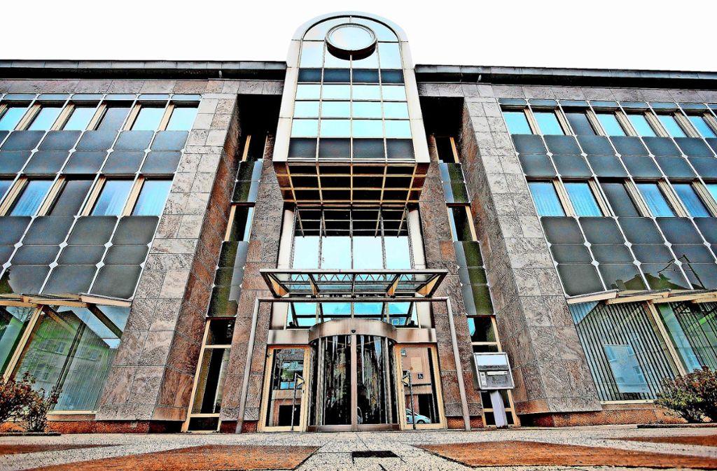 Die alte EnBW-Zentrale stand lange leer – jetzt übernimmt Bosch das markante Gebäude. Foto: factum/Archiv