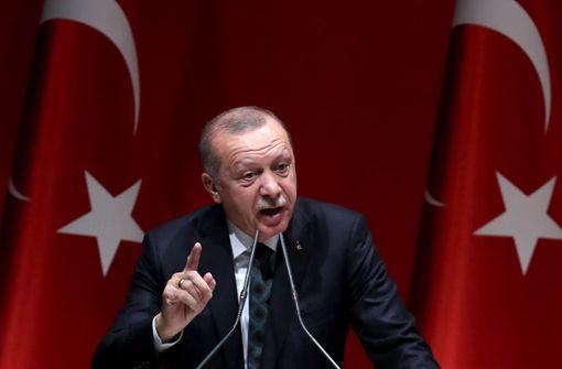 """Erdogan fordert in Telefonat mit Merkel """"Lastenteilung"""""""