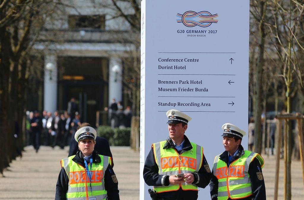 Ein starkes Polizeiaufgebot sichert den G20-Gipfel in Baden-Baden. Foto: Getty Images Europe