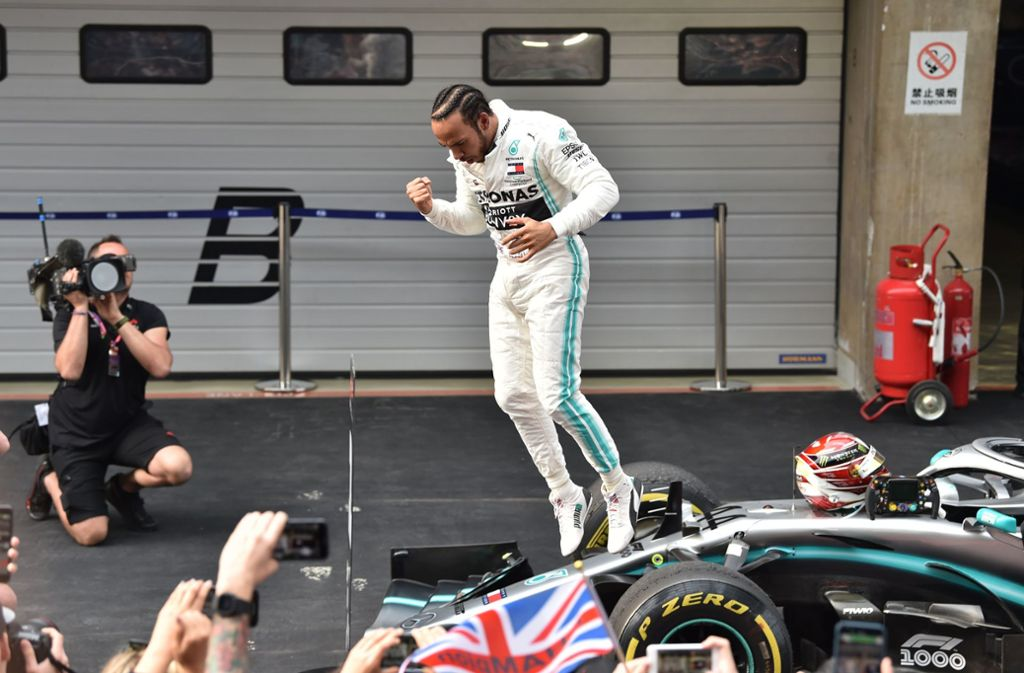 Einmalig in der Geschichte der Formel 1.: Hamilton steht nun wieder an der Spitze des Klassements. Foto: AFP