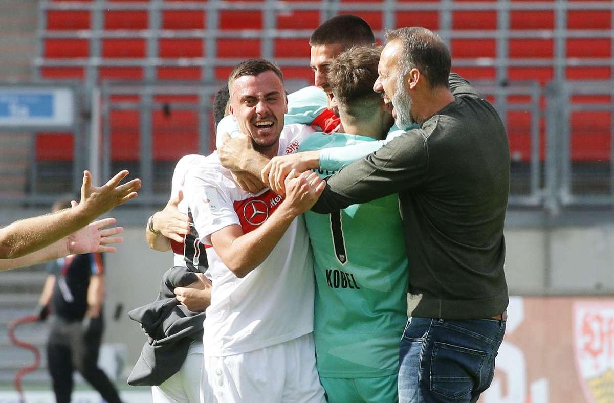 Grenzenloser Jubel bei den Spielern des VfB Stuttgart. Foto: Pressefoto Baumann/Hansjürgen Britsch