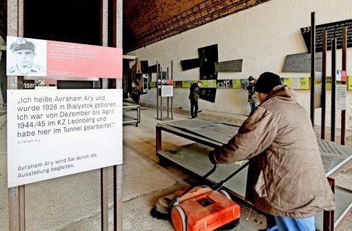 Die Häftlinge bringen das KZ auf Vordermann. Foto: factum/Bach