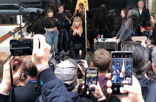 Heidi Klum lässt sich in New Yorker Schaufenster verkleiden