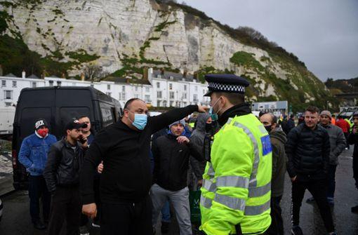 """""""Wir wollen nach Hause"""": Tausende Lkw-Fahrer in England frustriert"""