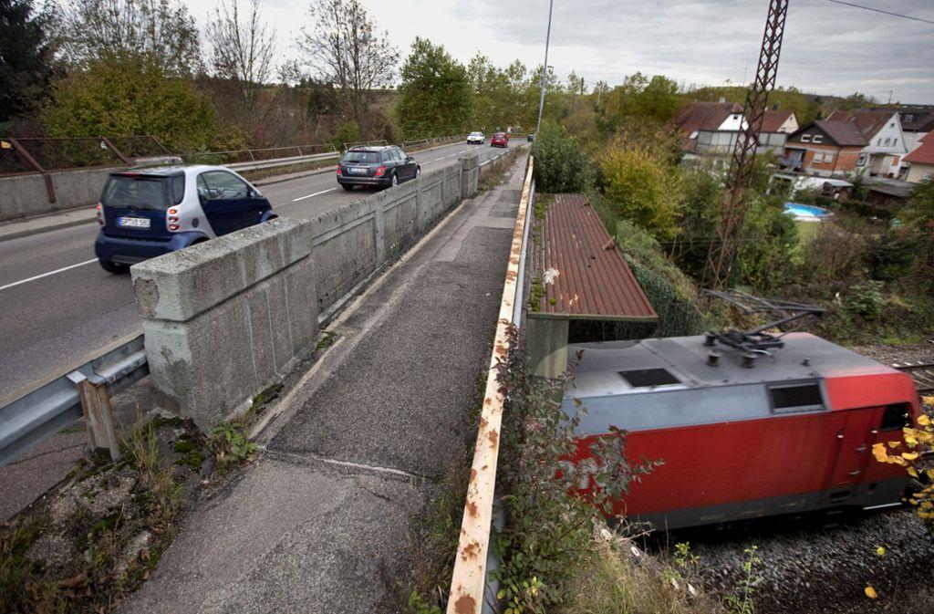 Vom nächsten Montag an ist die Bahnbrücke in Faurndau gesperrt. Foto: Horst Rudel