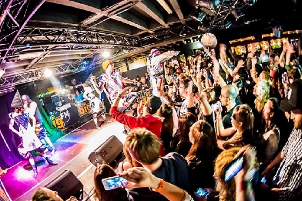 Die HipHop-Combo Deichkind hat in der Schräglage ihr neues Album Niveau Weshalb Warum erstmals live gespielt. Weitere Bilder zeigen wir in der folgenden Fotostrecke. Foto: 7aktuell.de/Eyb