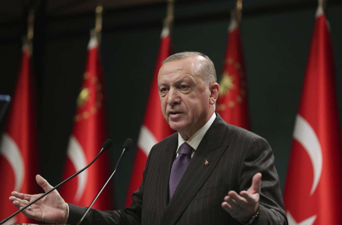 Recep Tayyip Erdogan kündigte am Montag Lockerungen an. Foto: dpa
