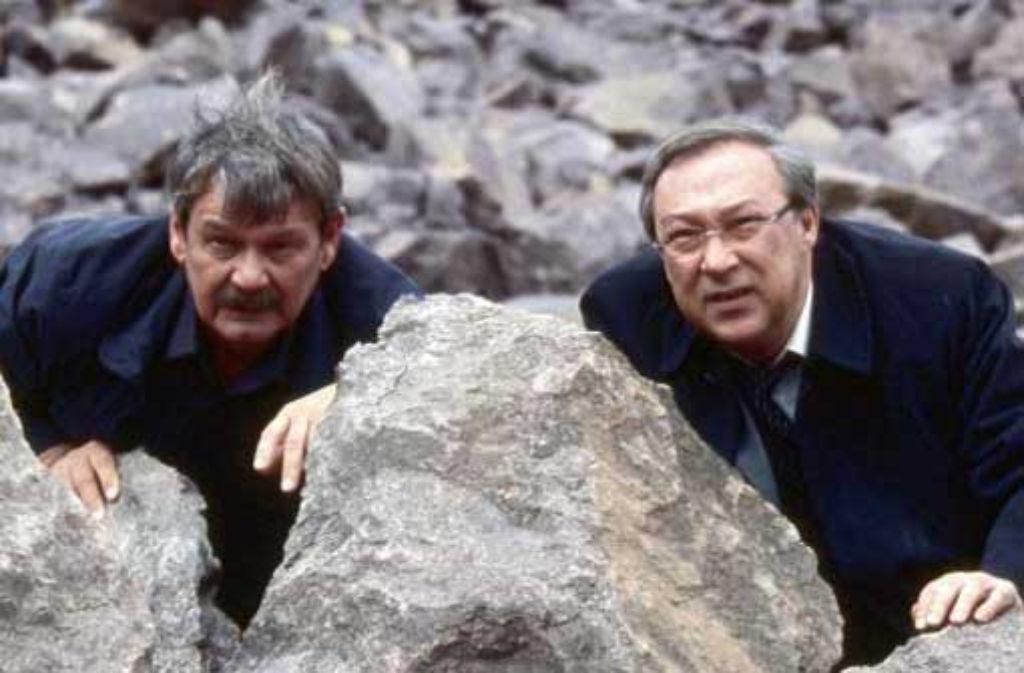 Wolfgang Winkler (links) und Jaecki Schwarz gehen in Deckung. Foto: MDR