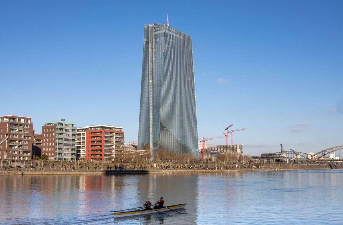 Die Europäische Zentralbank (EZB) in Frankfurt am Main (Archivbild) Foto: imago images/Patrick Scheiber/Tobias Rehbein via www.imago-images.de