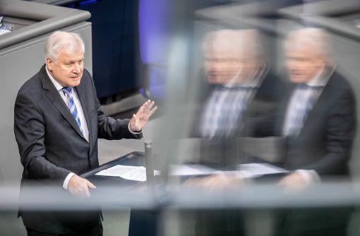 """Seehofer: """"Man muss Gesetze kompliziert machen"""""""