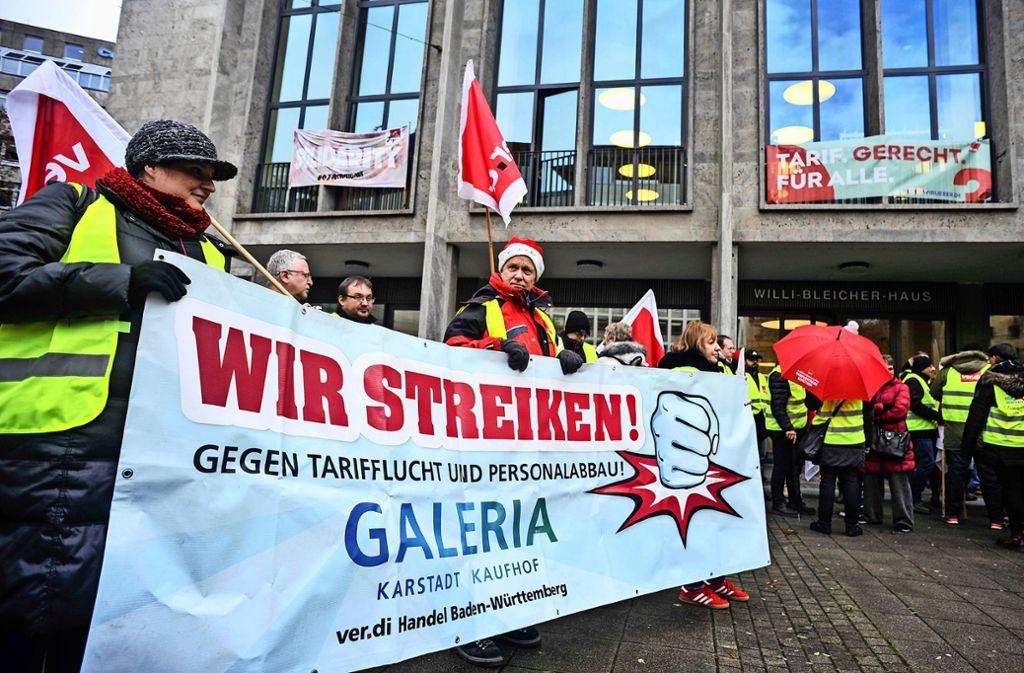 Streik vor der Kaufhof-Filiale in der Stuttgarter Eberhardstraße Foto: Lichtgut/Max Kovalenko