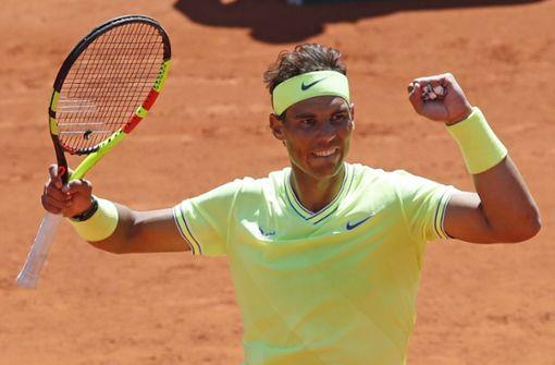 Rafael Nadal deklassiert Roger Federer und steht im Finale