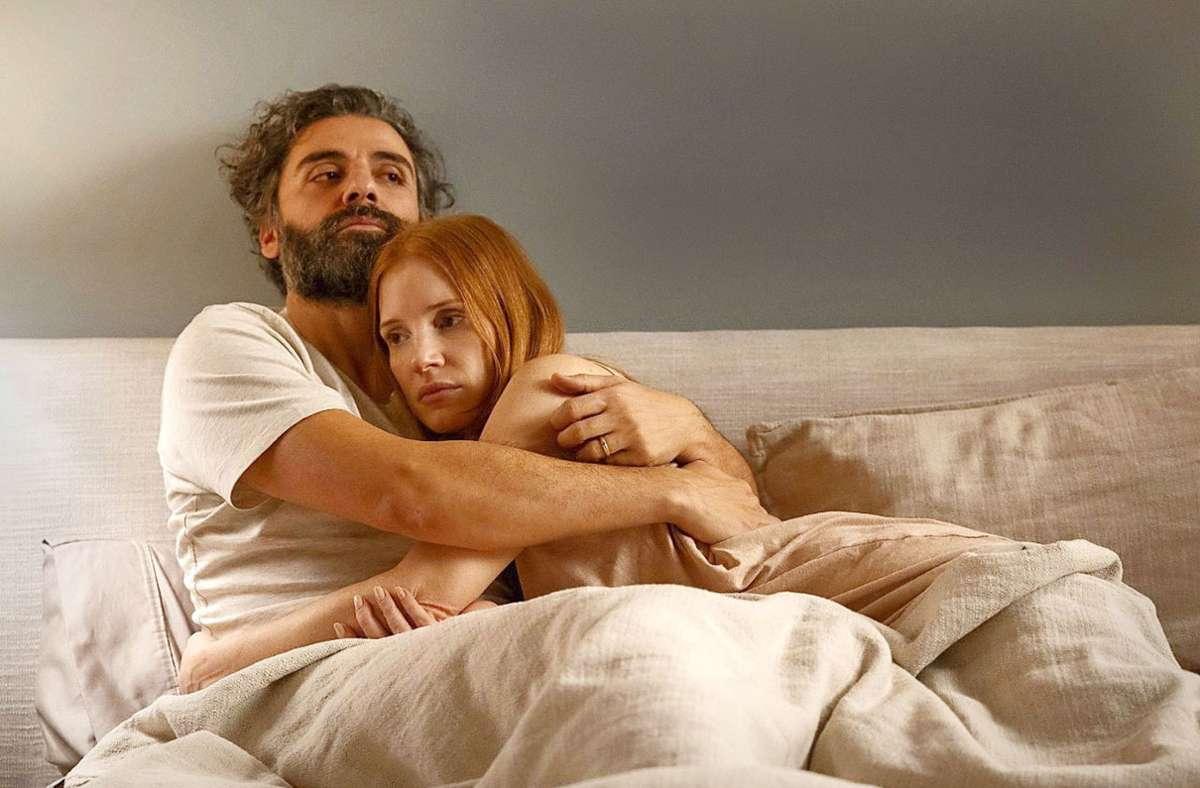 """Vorzeige-Ehepaar? Oscar Isaac und Jessica Chastain in  der Ingmar-Bergman-Adaption  """"Scenes from a Marriage"""" Foto: Sky/HBO"""