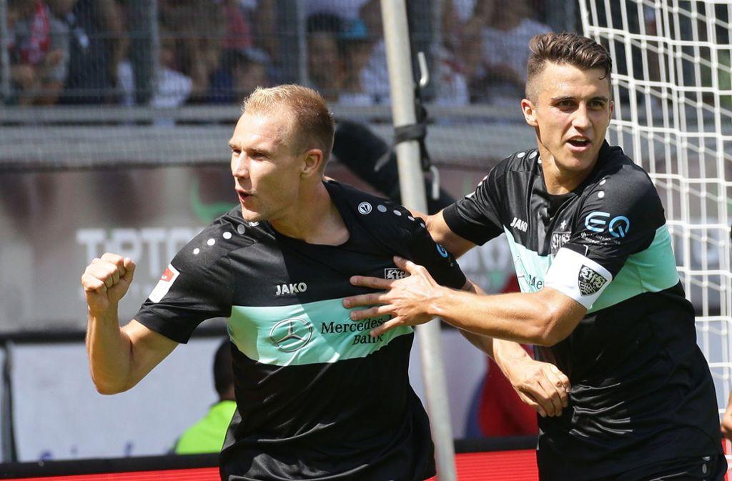 Hat die Nase in der Abwehr vorn: Holger Badstuber (links) spielt, Kapitän Marc Oliver Kempf muss auf die Bank. Foto: Pressefoto Baumann/Alexander Keppler