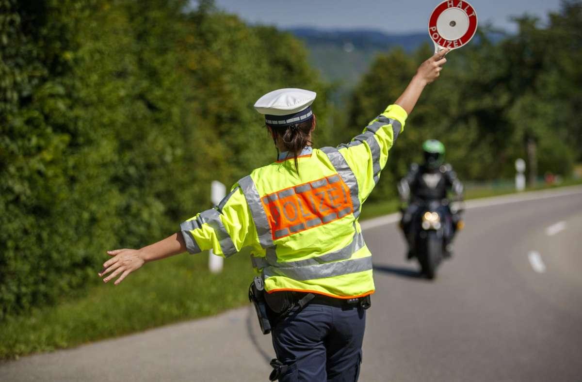 Wer zu schnell unterwegs war, kann im Moment hoffen, dass er seinen Führerschein doch behalten darf. Foto: Gottfried Stoppel
