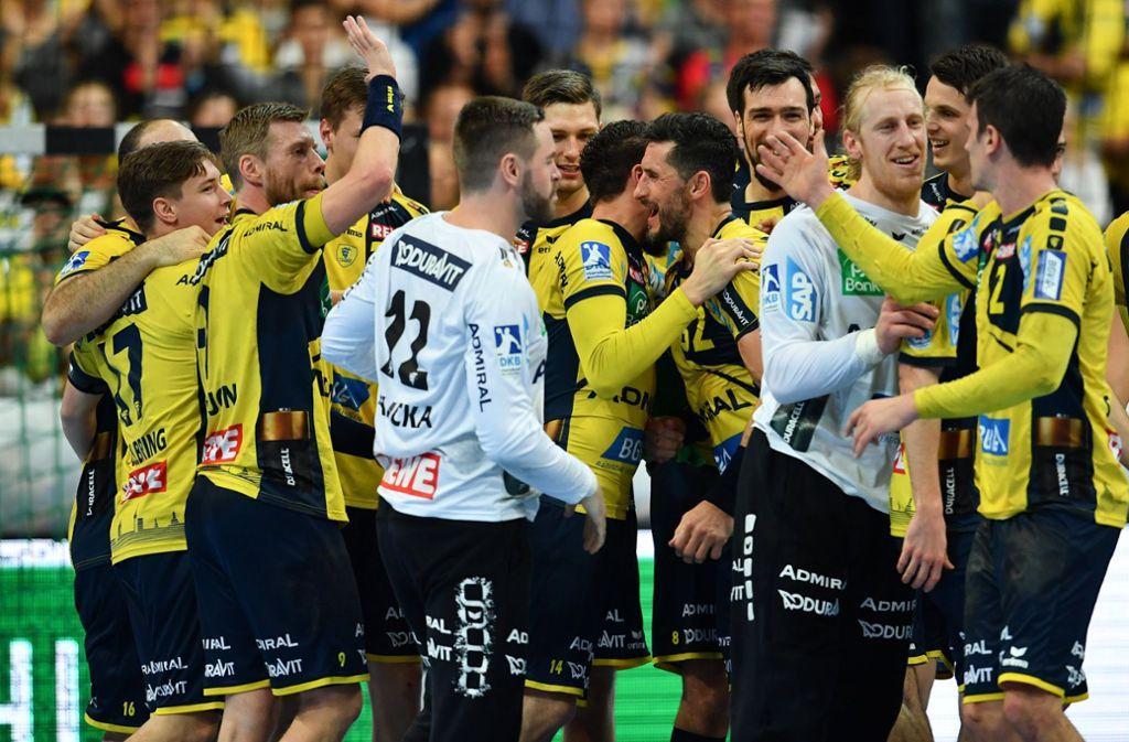 Freude bei der Mannschaft von Nikolaj Jacobsen. Foto: dpa