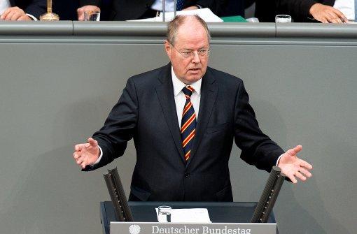 Peer Steinbrück nimmt im Bundestag Abschied