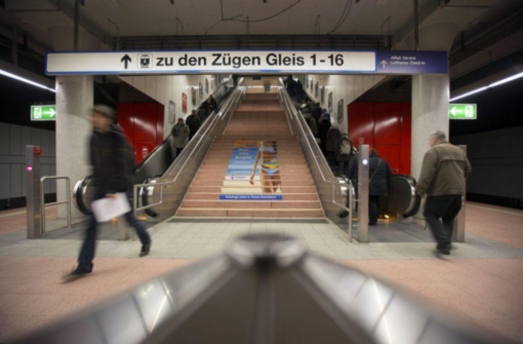 Funktionieren nicht immer  – Rolltreppen in der S-Bahn-Haltestelle Hauptbahnhof. Foto: Michael Steinert
