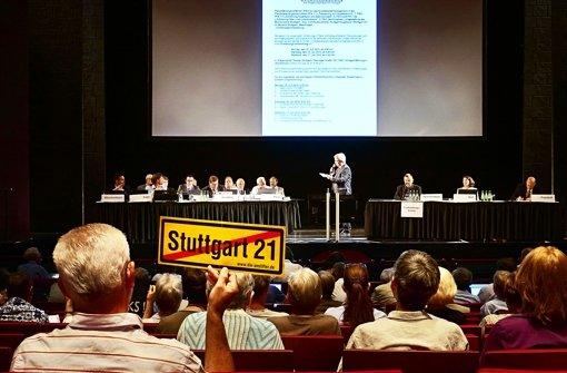 Sitzungsleiter stolpert über S-21-Bekenntnis