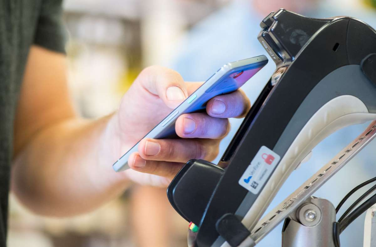 Beim Elektronischen Bezahlen gibt es in der EU noch Nachholbedarf. Foto: dpa/Franziska Gabbert