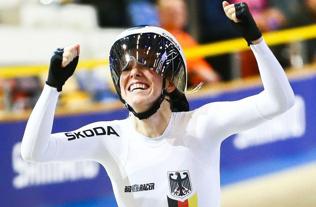 Franziska Brauße jubelt nachdem sie das Rennen in Apeldoorn gewonnen hat. Foto: dpa/Vincent Jannink