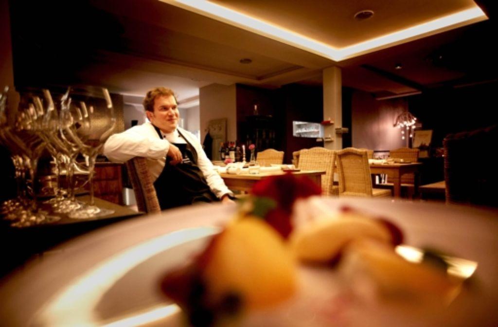 Sascha Wolter in seinem neuen Zweitrestaurant, der Kerzenstube Foto: Gottfried Stoppel