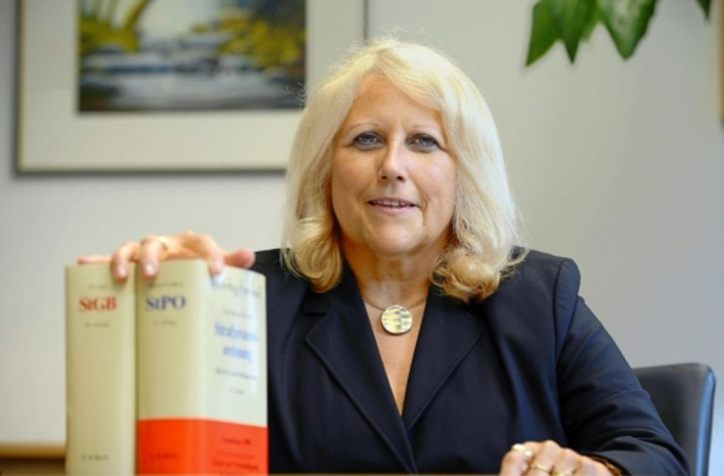 Christine Hügel (62), die Präsidentin des Oberlandesgerichts Karlsruhe Foto: dpa