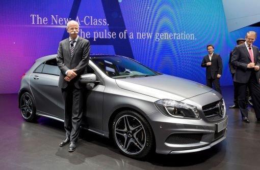 Daimler-Chef Dieter Zetsche will im Kampf gegen die enteilten Rivalen BMW und Audi noch in seiner eigenen Amtszeit möglichst viel Boden gut machen. Foto: Daimler