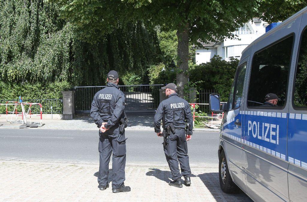 Hamburg bereitet sich auf den G20-Gipfel vor. Ein paar junge Polizisten aus Berlin haben ihren Einsatz wohl ein wenig zu sehr gefeiert. (Symbolfoto) Foto: dpa