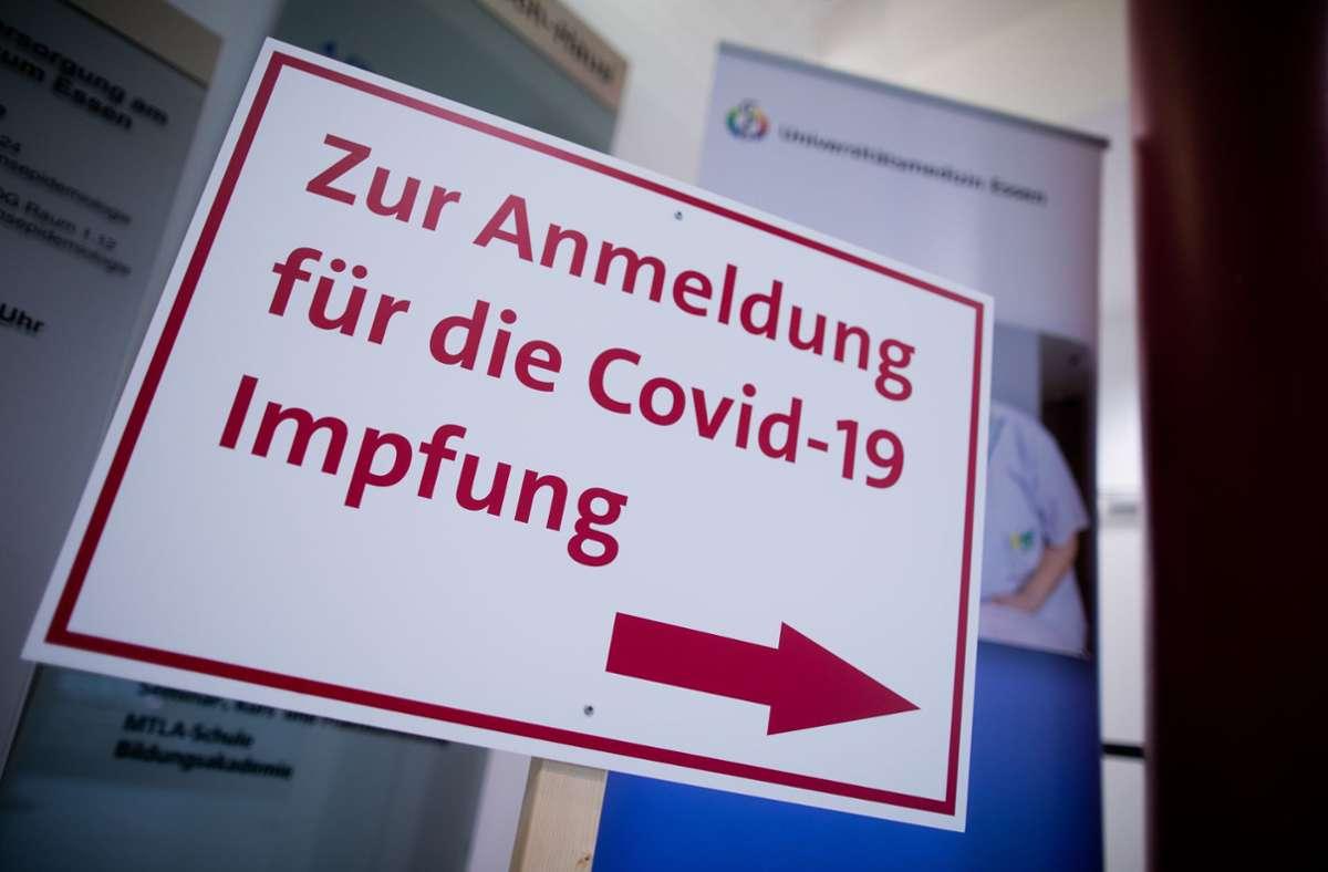 Den Weg ins Impfzentrum findet man leichter als einen Impftermin. Foto: dpa/Rolf Vennenbernd