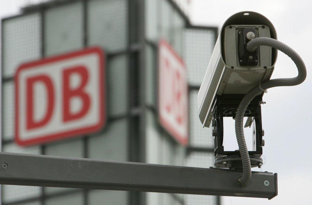 Die Überwachung an Bahnhöfen soll ausgeweitet werden. Foto: dpa/Z5327 Soeren Stache