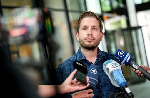 """SPD-Vize Kühnert kritisiert """"astronomische"""" Gehälter im Profifußball"""