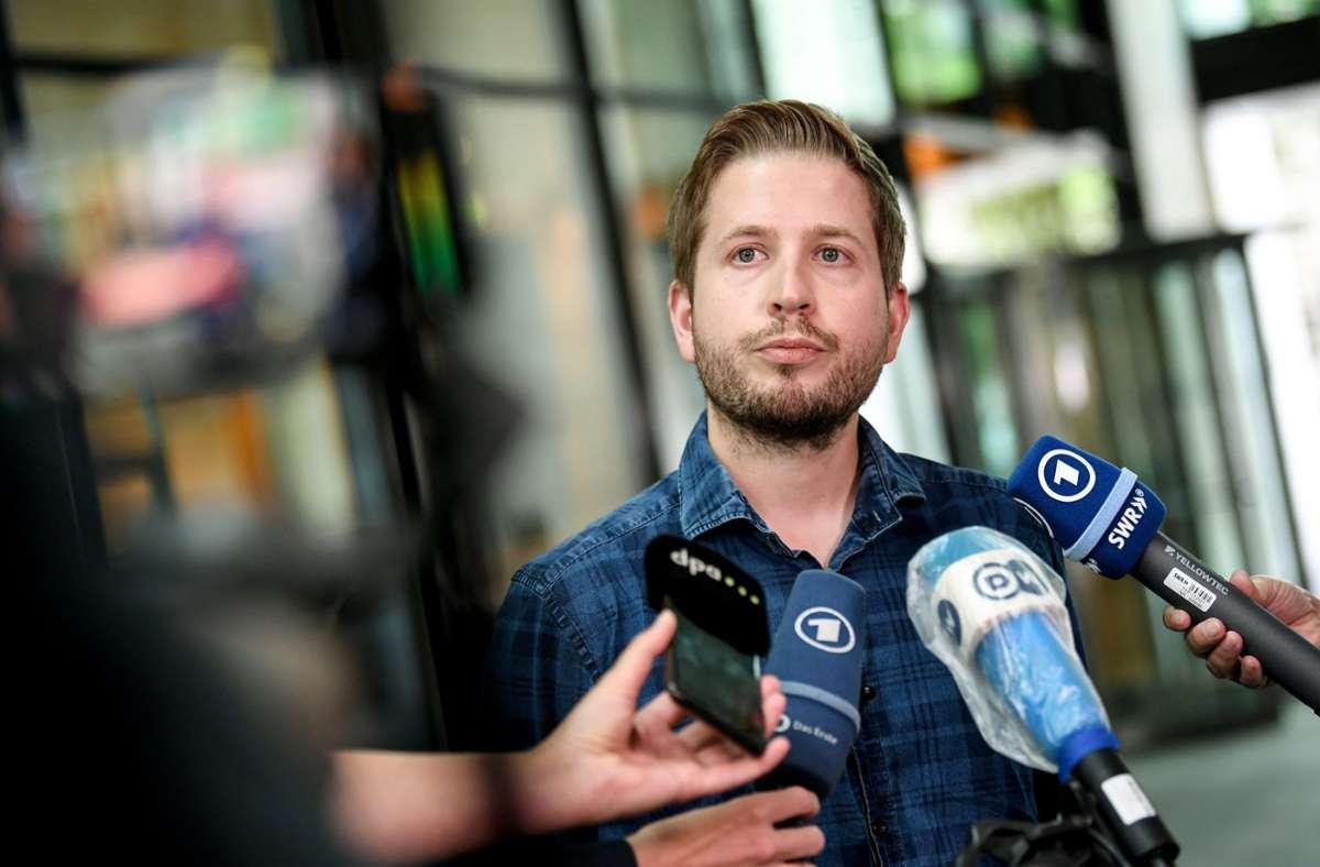 "SPD-Vize Kevin Kühnert kritisiert ""astronomische"" Gehälter im Profifußball. Foto: dpa/Britta Pedersen"