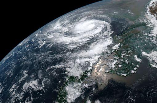 Gewaltiger  Zyklon nähert sich indischer Ostküste