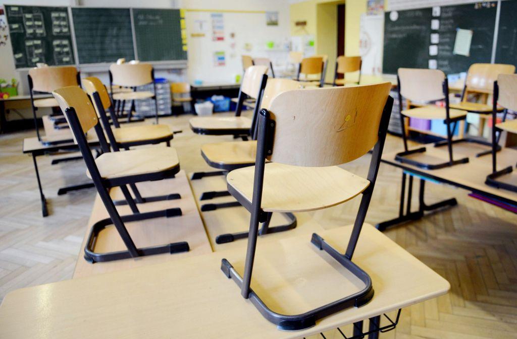 Etwa jede zehnte Schulstunde in Baden-Württemberg findet nicht wie geplant statt, der Anteil komplett ausgefallener Stunden liegt jedoch darunter. Foto: dpa