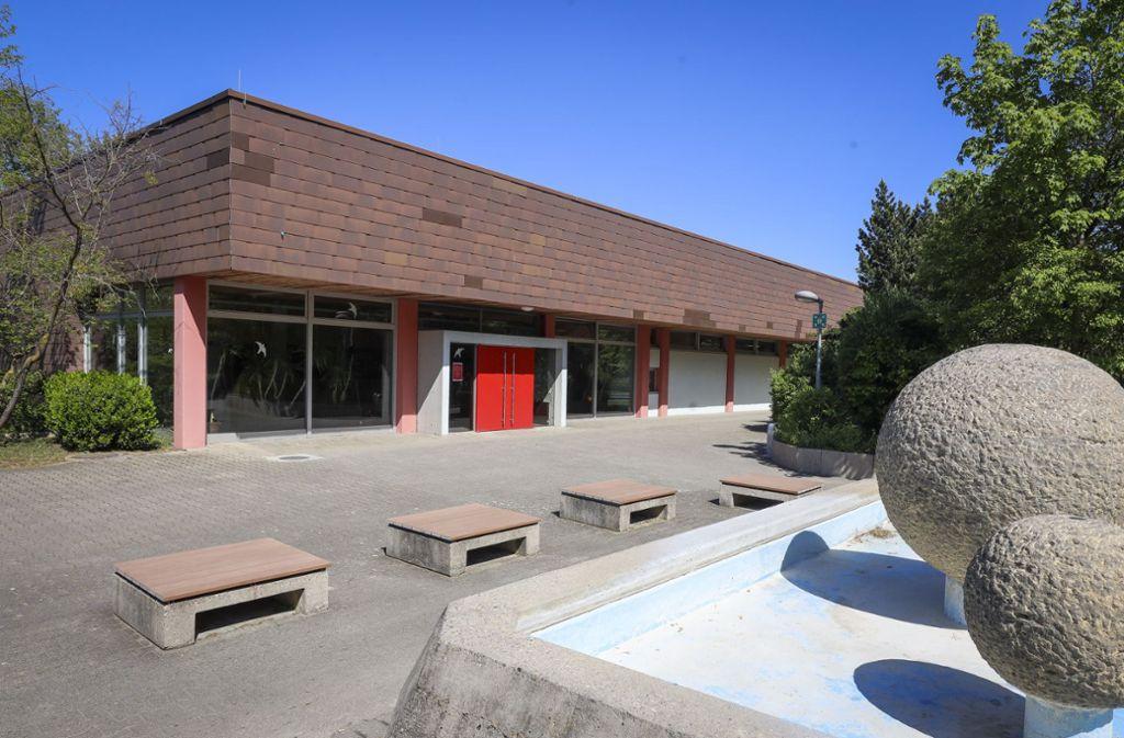 Die Sporthalle am Münchinger Freizeitbad ist in die Jahre gekommen. Foto: factum/Simon Granville