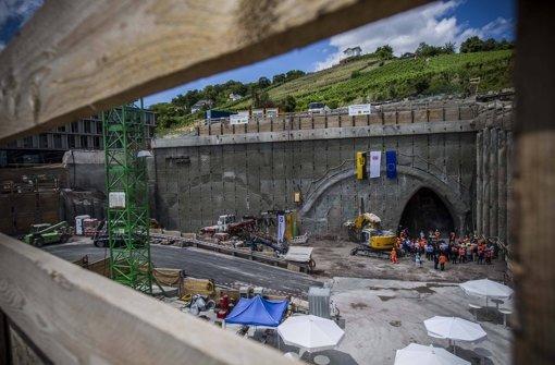 Das Tunnelportal der Verbindnungen nach Feuerbach und Bad Cannstatt in der Jägerstraße bei der Anschlagfeier im Juli diesen Jahres Foto: imago stock&people