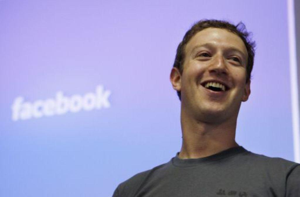Hat gut lachen: Mark Zuckerberg wird durch den Börsengang von Facebook zu einem der reichsten Menschen der Welt. Foto: AP