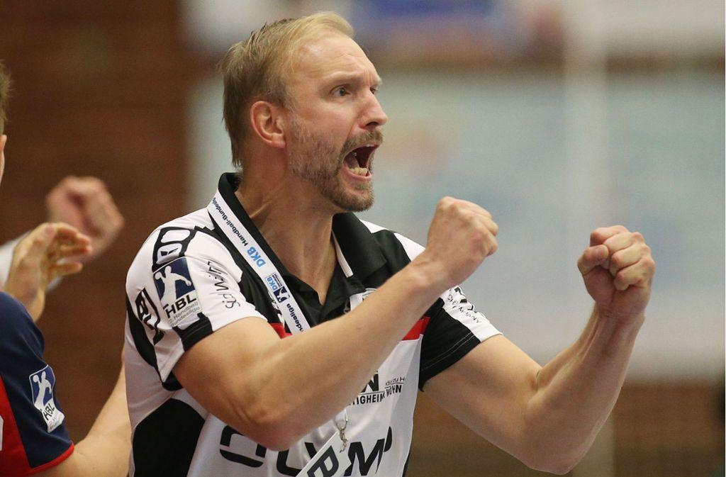 Hartmut Mayerhoffer: Der Handball-Trainer gibt seine Energie wohl bald an die Handballer von Frisch Auf Göppingen weiter. Foto: Baumann